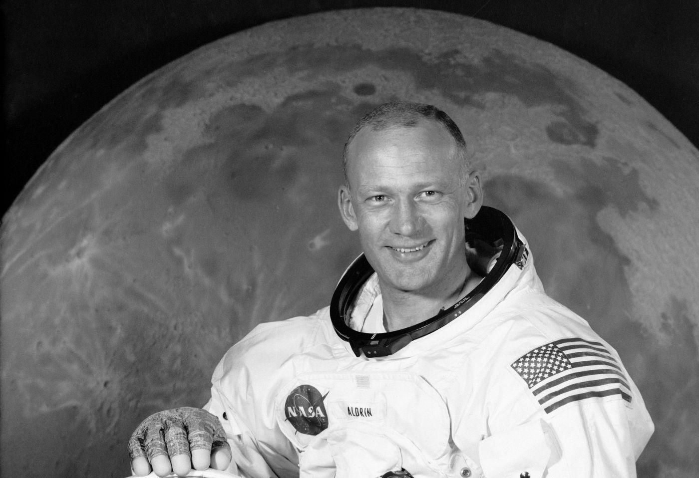 Buzz Aldrin, el segundo hombre en pisar la Luna y compañero de Homero en el espacio
